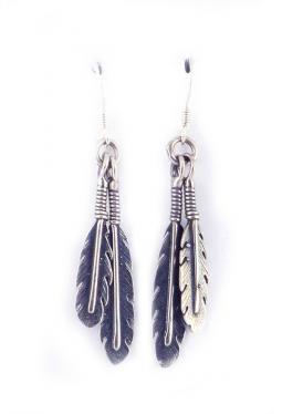 Ohrhänger mit je 2 Silberfedern - Navajo